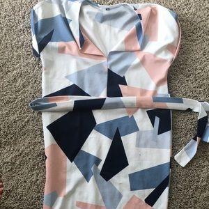Dresses & Skirts - NWOT Geo Print Dress